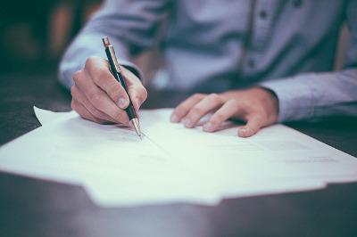 agent nieruchomości umowa